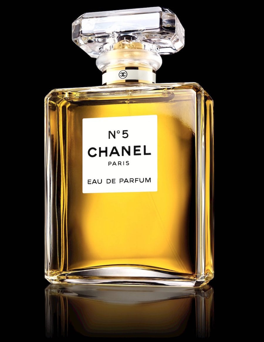 chanel n 5 l 39 histoire d 39 un parfum mythique beautylicieusebeautylicieuse. Black Bedroom Furniture Sets. Home Design Ideas