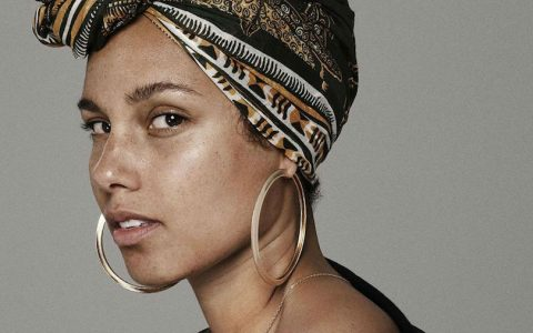 Alicia Keys adopte le « No makeup Movement »