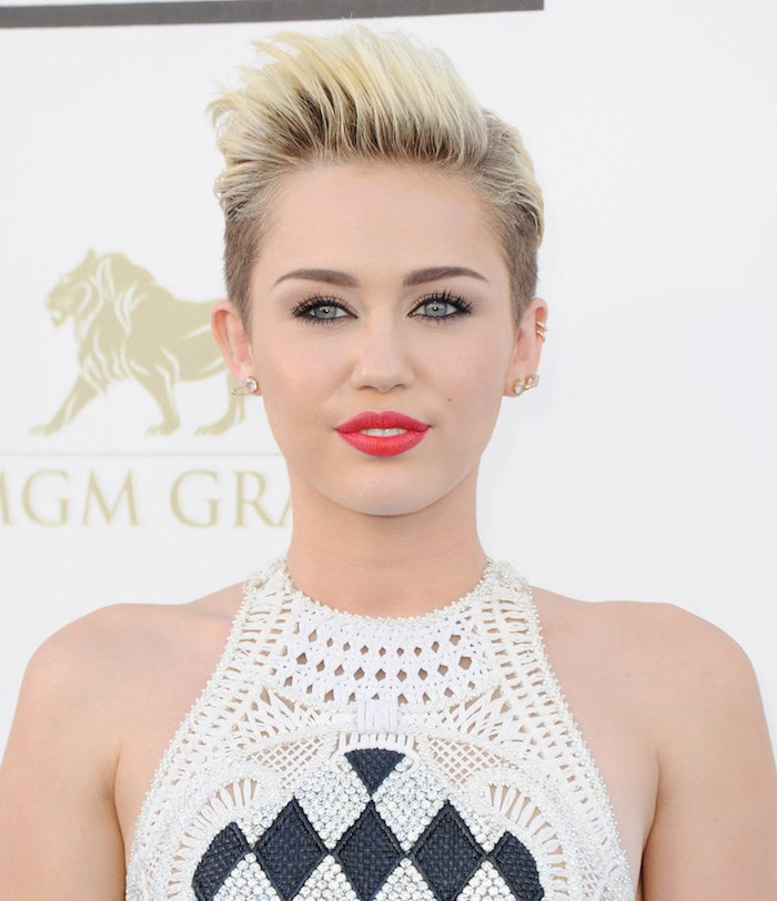 miley-cyrus-cheveux