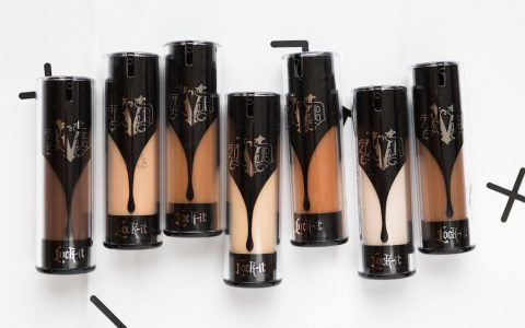 Pourquoi je déteste le Lock It Foundation Kat Von D